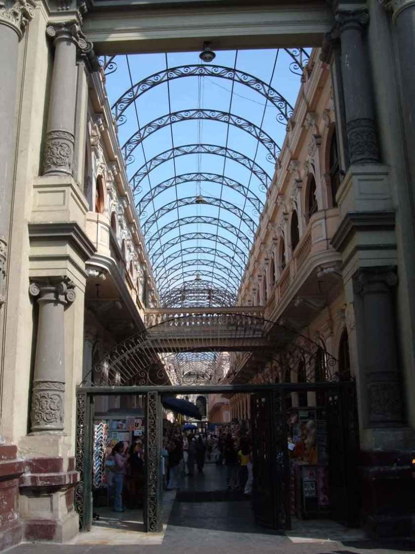 Alte Post in der historischen City von Lima.
