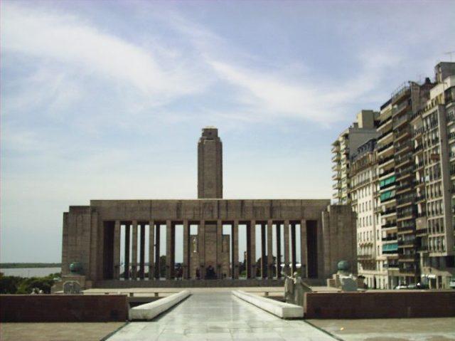 Monumento-Bandera-Rio-Parana