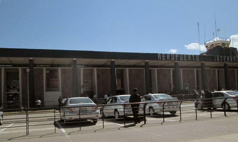 Cusco_Flughafen_ausen