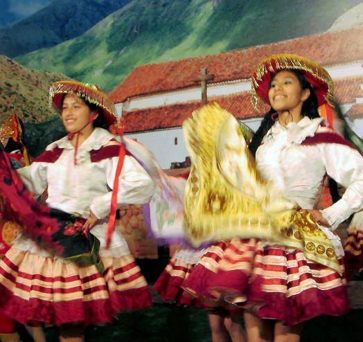 Folklore-Tanz-Peru