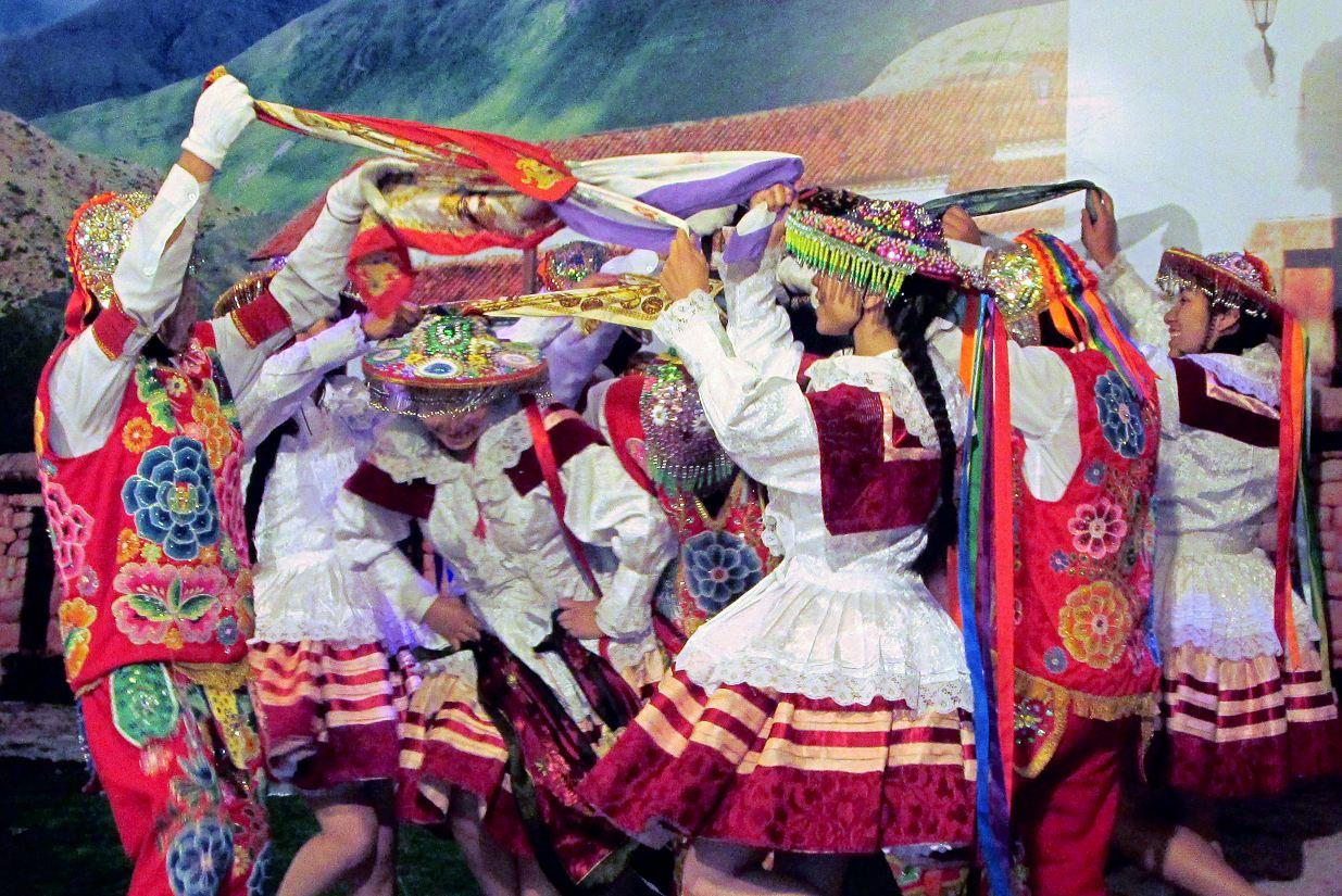Folklore Valle Sagrado Cusco