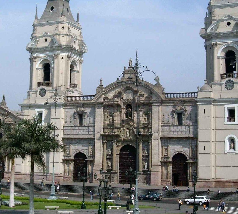 Gut geschriebener Beitrag über  Lima der Hauptstadt von Peru.