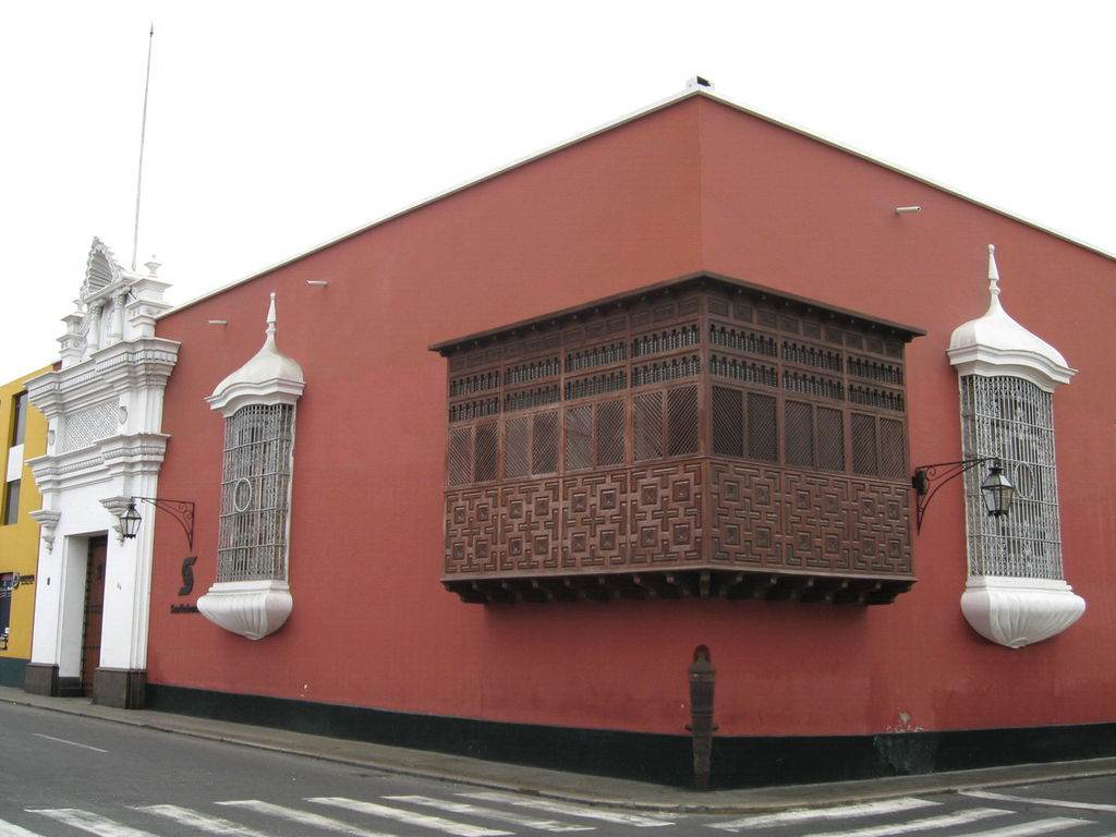 klassisches Haus im Zentrum von Trujillo in Nordperu.