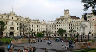 Plaza San Martin Lim