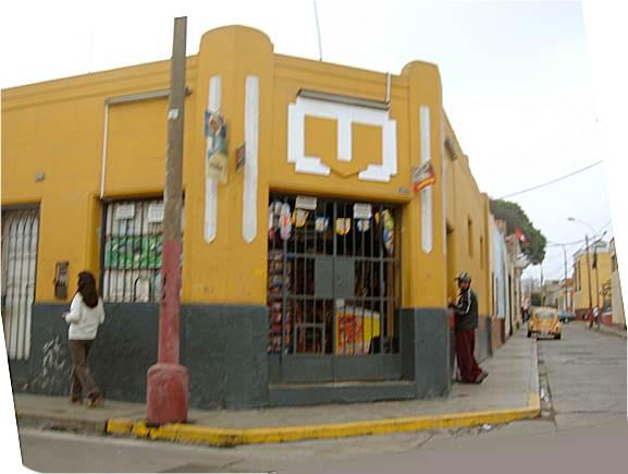 """Lima – Peru – Drohnenflug über die """"Mauer derSchande"""""""