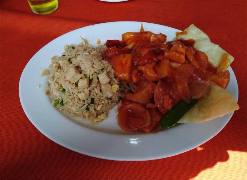 Lima-Chifa-typisches_Gericht