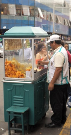 Ambulanter Verkaufsstand in Lima.