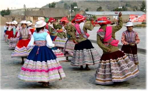 Tanz im Colca Canyon