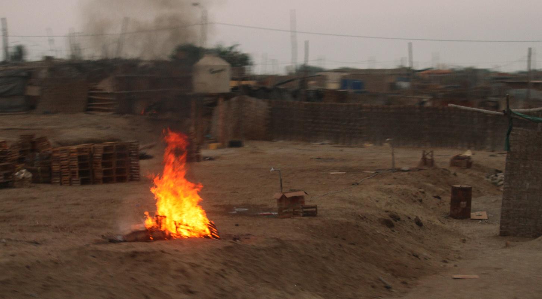 Feuer nahe Paracas